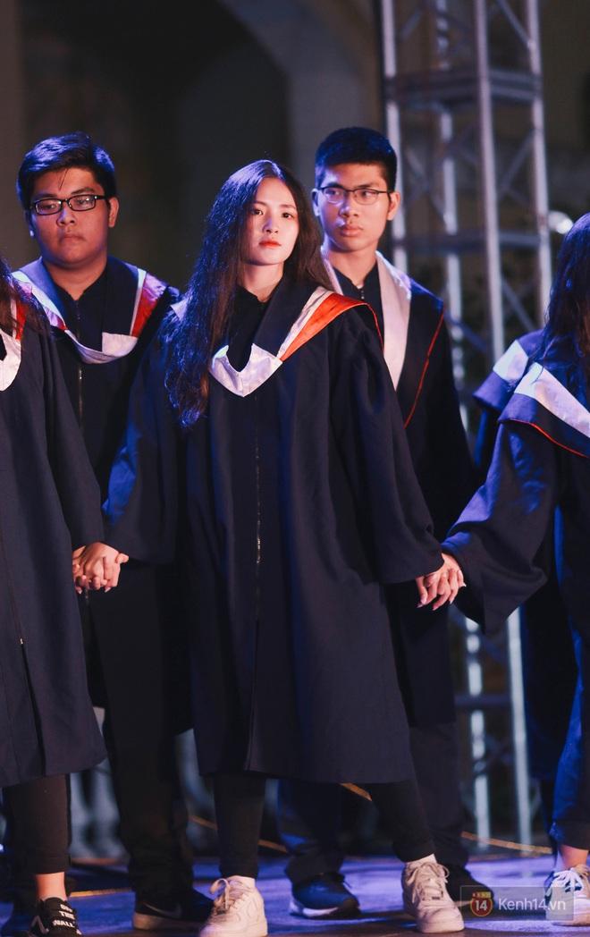 Nữ sinh Chu Văn An lột xác bất ngờ, khoe trọn nhan sắc quyến rũ trong đêm trưởng thành cho khối 12 - ảnh 8