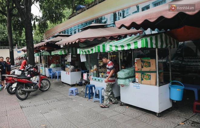Phố hàng rong hợp pháp đầu tiên ở Sài Gòn hiện giờ ra sao sau gần 3 năm hoạt động? - ảnh 8