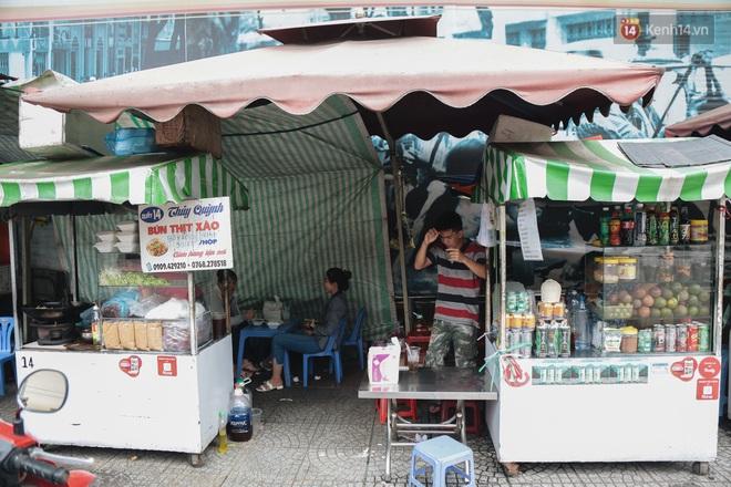 Phố hàng rong hợp pháp đầu tiên ở Sài Gòn hiện giờ ra sao sau gần 3 năm hoạt động? - ảnh 15
