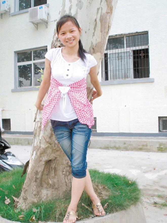 """Cuộc sống sau 22 năm của cô bé 7 tuổi kiên cường ôm thân cây suốt 9 tiếng giữa trận """"đại hồng thủy"""" năm 1998 - ảnh 6"""