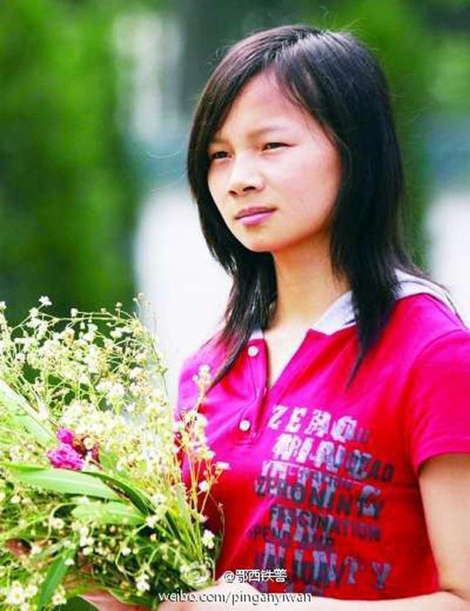 """Cuộc sống sau 22 năm của cô bé 7 tuổi kiên cường ôm thân cây suốt 9 tiếng giữa trận """"đại hồng thủy"""" năm 1998 - ảnh 5"""