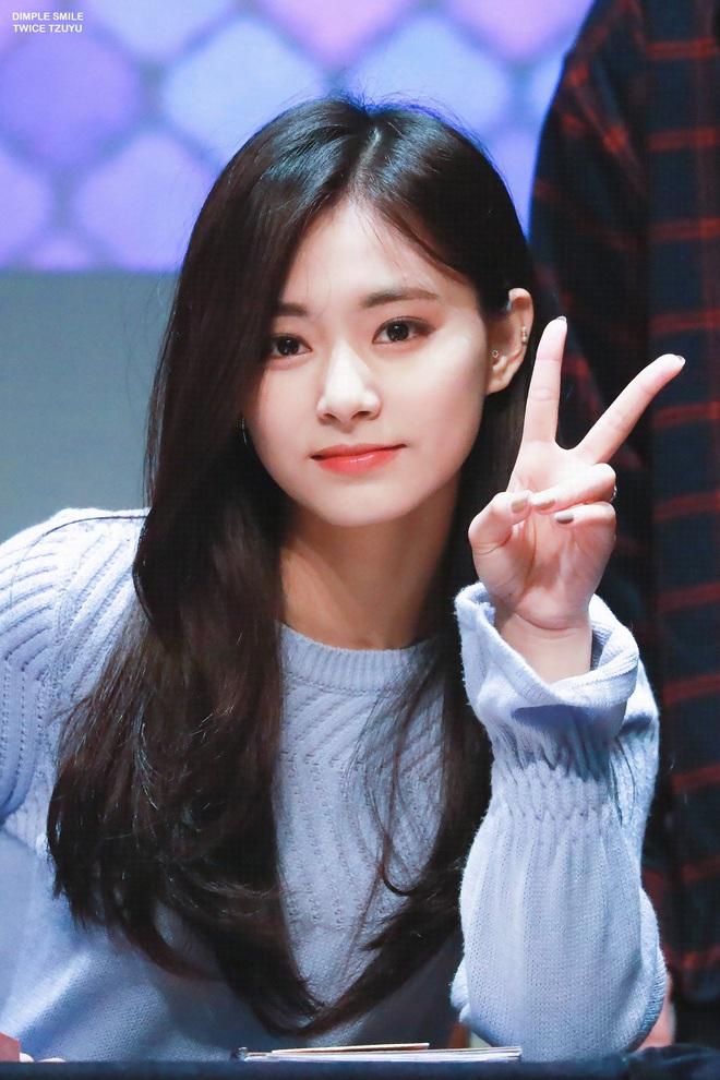 Mật báo Kbiz: Hé lộ danh sách bạn gái máu mặt của Kim Soo Hyun, bí mật về chuyện hẹn hò của Lisa - BTS bị ém - ảnh 17