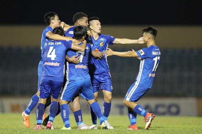 Phan Văn Đức cảm thán: Trọng tài như thế thì bóng đá Việt Nam lúc nào phát triển - ảnh 11