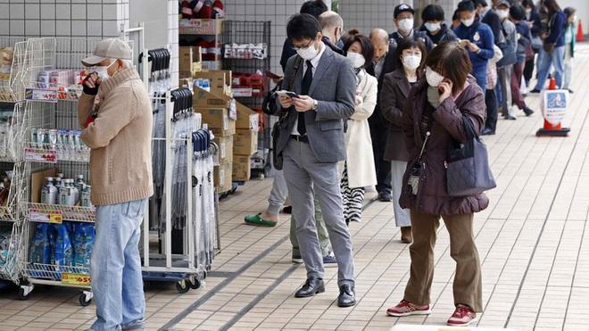 Số ca Covid-19 tăng nhanh, Tokyo lo ngại dịch bùng phát trở lại - ảnh 1