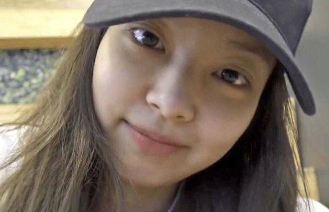 Lần đầu có idol nữ Kpop dám để mặt mộc lên sân khấu encore: Jennie (BLACKPINK) gây choáng với nhan sắc thật - Ảnh 7.
