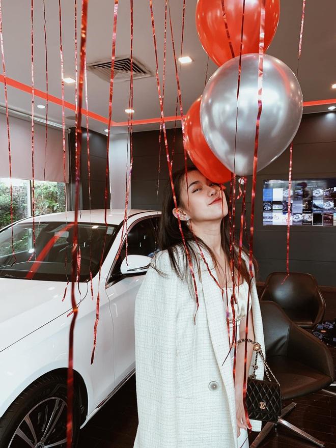Vừa mới mua nhà, Ngọc Thảo tậu luôn con Mẹc mừng sinh nhật 30 tuổi - ảnh 1