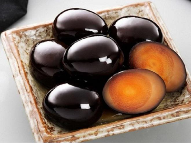 """Điểm danh 3 món trứng """"nặng mùi"""" nhất nhì trên thế giới, trứng bắc thảo của Việt Nam cũng nằm trong danh sách này - Ảnh 3."""