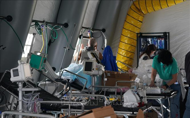 Nhiều bệnh viện ở Mỹ trở thành ổ dịch Covid-19 - ảnh 1