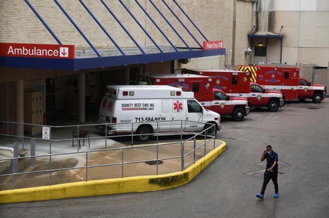 Chúng ta đã mở cửa quá sớm rồi: Ca nhiễm Covid-19 không ngừng tăng, bệnh viện Mỹ sắp đối mặt với thảm họa quá tải thêm một lần nữa - ảnh 2