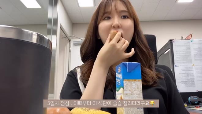 Thử chế độ ăn kiêng với duy nhất 3 món cho 3 bữa trong ngày của Hyosung, cô nàng vlogger xứ Hàn giảm 3kg sau 5 ngày - ảnh 26