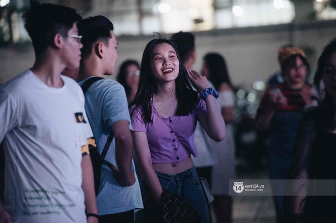 Lễ trưởng thành của teen cuối cấp THPT Kim Liên (Hà Nội): Quá nhiều cảm xúc, dàn gái xinh không kém cạnh bất cứ trường nào - ảnh 14