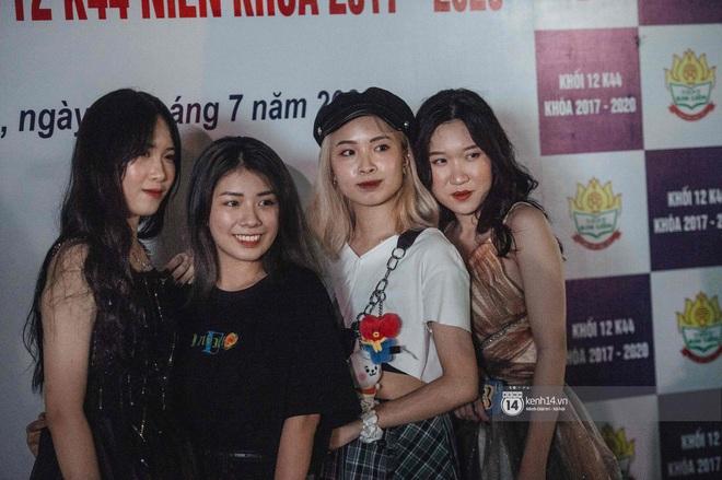 Lễ trưởng thành của teen cuối cấp THPT Kim Liên (Hà Nội): Quá nhiều cảm xúc, dàn gái xinh không kém cạnh bất cứ trường nào - ảnh 2