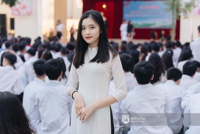 Dàn nữ sinh gây thương nhớ trong lễ bế giảng: Mặc áo dài hay đồng phục trắng đều mê mẩn lòng người - ảnh 5
