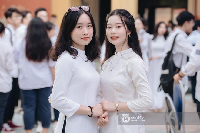 Dàn nữ sinh gây thương nhớ trong lễ bế giảng: Mặc áo dài hay đồng phục trắng đều mê mẩn lòng người - ảnh 7