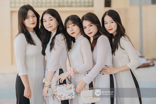 Dàn nữ sinh gây thương nhớ trong lễ bế giảng: Mặc áo dài hay đồng phục trắng đều mê mẩn lòng người - ảnh 10