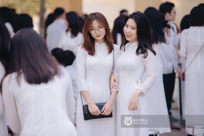 Dàn nữ sinh gây thương nhớ trong lễ bế giảng: Mặc áo dài hay đồng phục trắng đều mê mẩn lòng người - ảnh 8