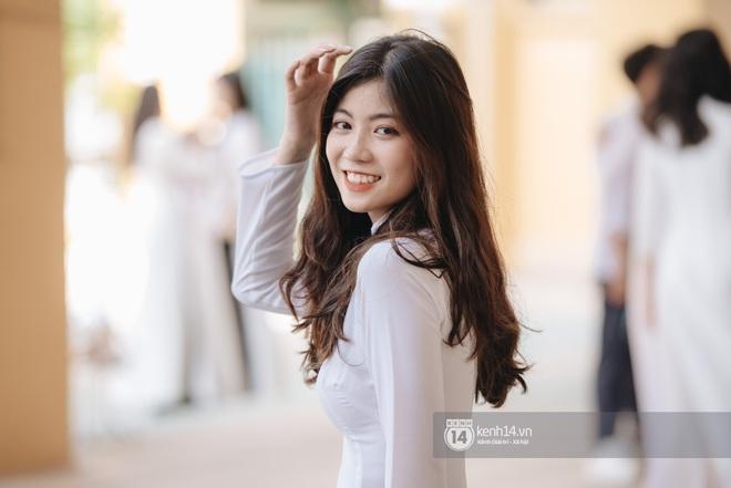 Dàn nữ sinh gây thương nhớ trong lễ bế giảng: Mặc áo dài hay đồng phục trắng đều mê mẩn lòng người - ảnh 1