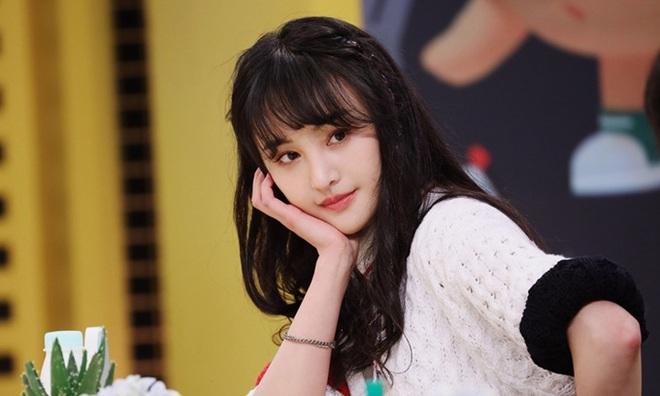 """Vì sao mỹ nam Cbiz luôn tránh Trịnh Sảng như """"tránh tà"""" dù cô nàng là """"Nữ hoàng top tìm kiếm Weibo""""? - ảnh 1"""