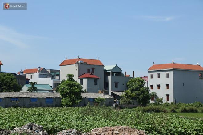 Hà Nội: Nhà tầng, biệt thự mọc san sát nhau ở ngôi làng phất lên từ việc buôn thịt lợn - ảnh 4