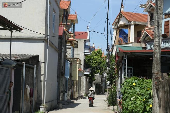 Hà Nội: Nhà tầng, biệt thự mọc san sát nhau ở ngôi làng phất lên từ việc buôn thịt lợn - ảnh 10
