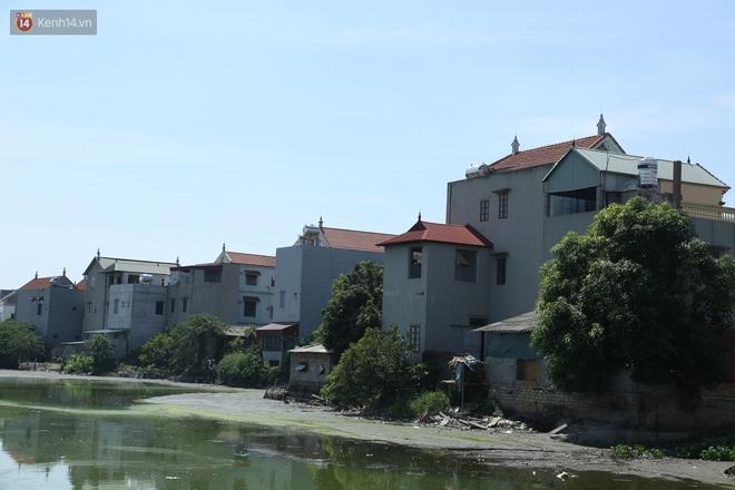 Hà Nội: Nhà tầng, biệt thự mọc san sát nhau ở ngôi làng phất lên từ việc buôn thịt lợn - ảnh 11