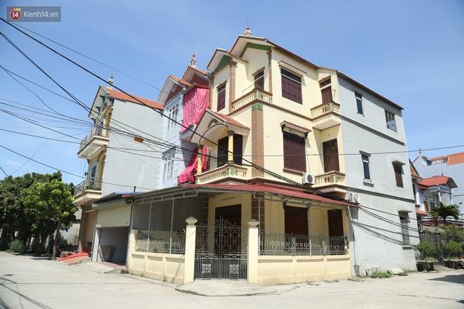 Hà Nội: Nhà tầng, biệt thự mọc san sát nhau ở ngôi làng phất lên từ việc buôn thịt lợn - ảnh 14