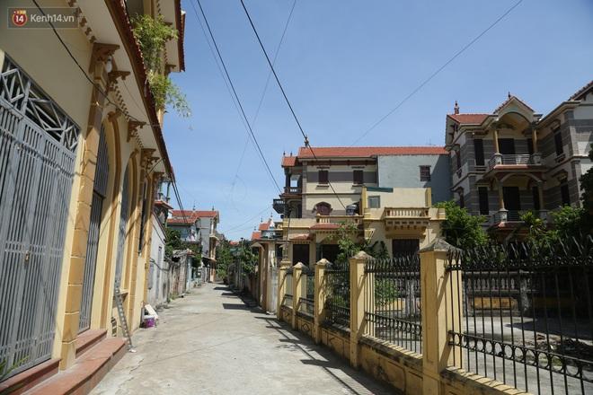 Hà Nội: Nhà tầng, biệt thự mọc san sát nhau ở ngôi làng phất lên từ việc buôn thịt lợn - ảnh 16