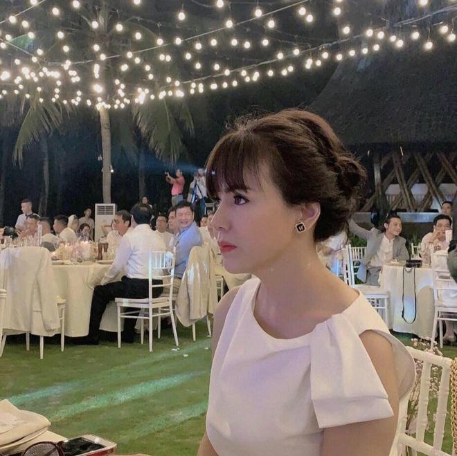 Nhan sắc ở tuổi 56 của mẹ Phanh Lee gây bất ngờ, trẻ trung và gu ăn mặc thời thượng không kém con gái là bao - ảnh 2