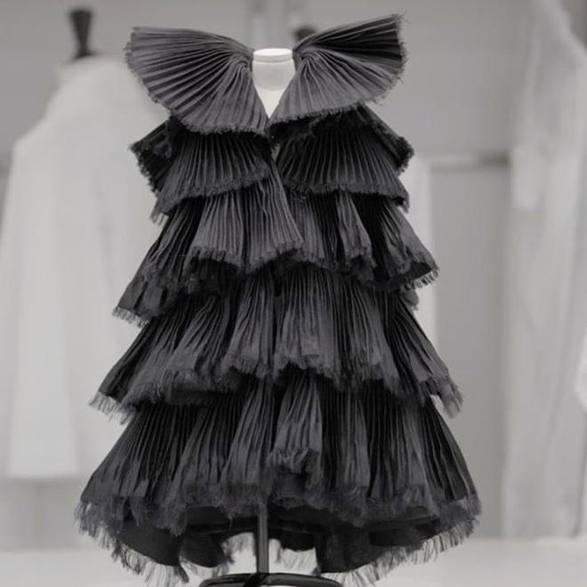 Tặng người xem một vé vào thế giới thần tiên, Dior tiện thể mị dân luôn với những thiết kế bé xíu nhưng tinh xảo muốn xỉu - ảnh 11