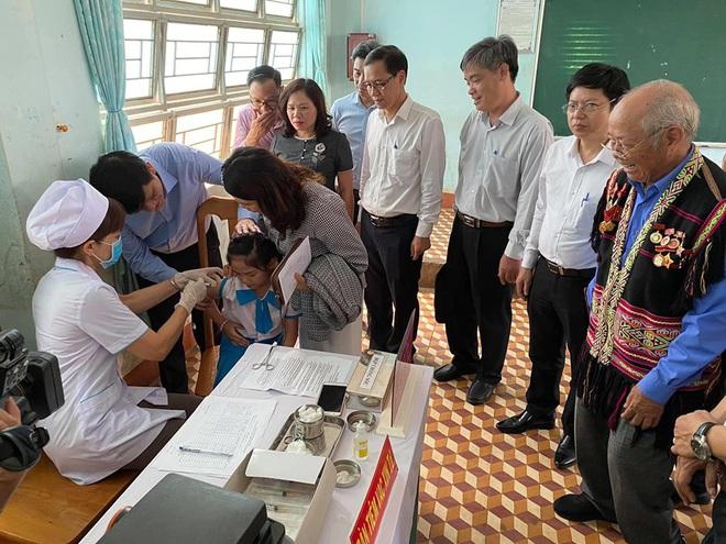 Ngăn chặn dịch bạch hầu: Hơn 10 triệu liều vắc xin tiêm chủng cho 4,7 triệu người dân - ảnh 1