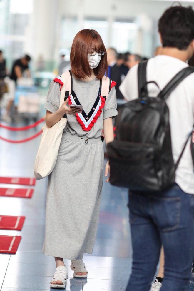Lột xác từ style Nhật thắm thơm sang style Hàn cá tính, Sakura (IZ*ONE) khiến netizen phải trầm trồ không ngớt - ảnh 4
