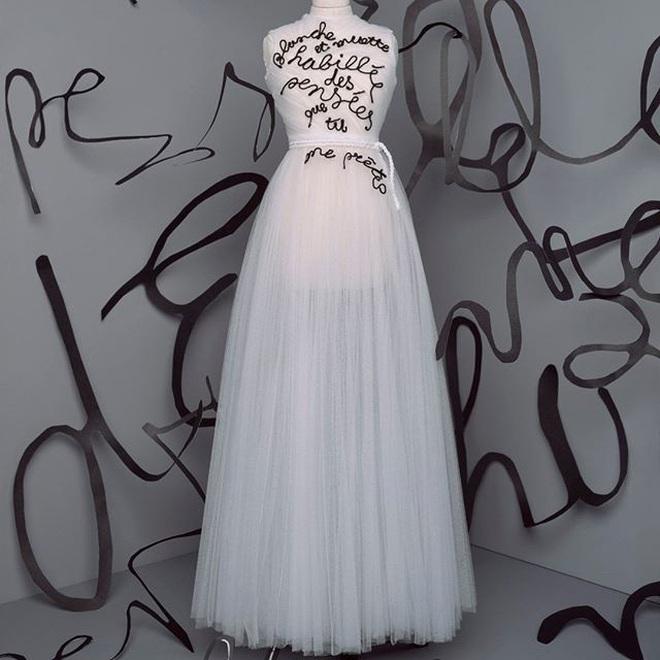 Tặng người xem một vé vào thế giới thần tiên, Dior tiện thể mị dân luôn với những thiết kế bé xíu nhưng tinh xảo muốn xỉu - ảnh 12