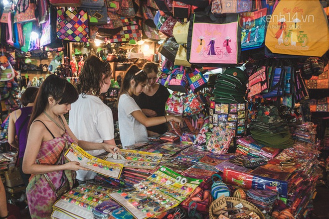 Có một chợ đêm Bến Thành buồn đến nao lòng: Khách Việt còn không có chứ nói chi khách nước ngoài - ảnh 2