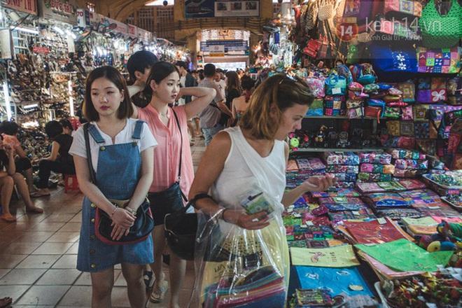 Có một chợ đêm Bến Thành buồn đến nao lòng: Khách Việt còn không có chứ nói chi khách nước ngoài - ảnh 4