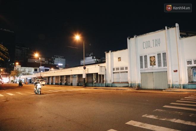 Có một chợ đêm Bến Thành buồn đến nao lòng: Khách Việt còn không có chứ nói chi khách nước ngoài - ảnh 9
