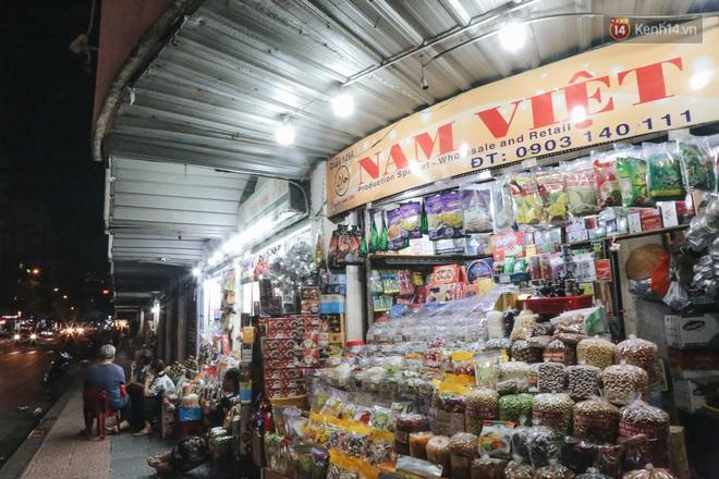 Có một chợ đêm Bến Thành buồn đến nao lòng: Khách Việt còn không có chứ nói chi khách nước ngoài - ảnh 19