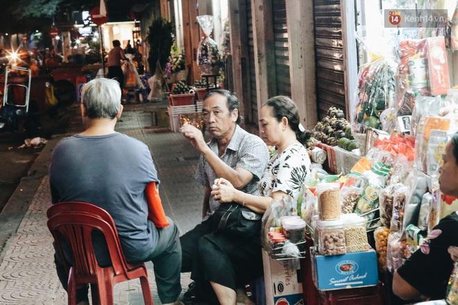 Có một chợ đêm Bến Thành buồn đến nao lòng: Khách Việt còn không có chứ nói chi khách nước ngoài - ảnh 13