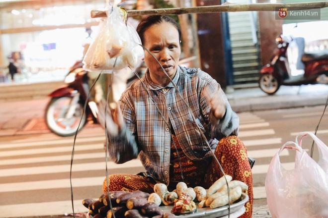 Có một chợ đêm Bến Thành buồn đến nao lòng: Khách Việt còn không có chứ nói chi khách nước ngoài - ảnh 15
