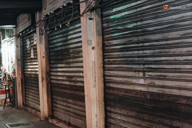 Có một chợ đêm Bến Thành buồn đến nao lòng: Khách Việt còn không có chứ nói chi khách nước ngoài - ảnh 11