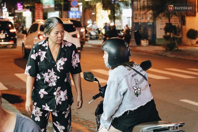 Có một chợ đêm Bến Thành buồn đến nao lòng: Khách Việt còn không có chứ nói chi khách nước ngoài - ảnh 14