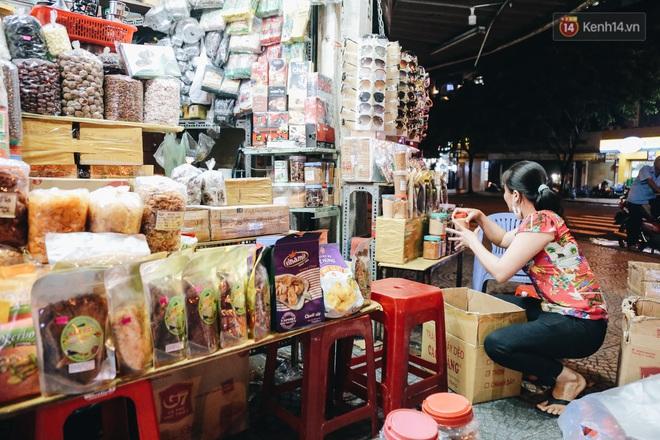 Có một chợ đêm Bến Thành buồn đến nao lòng: Khách Việt còn không có chứ nói chi khách nước ngoài - ảnh 18