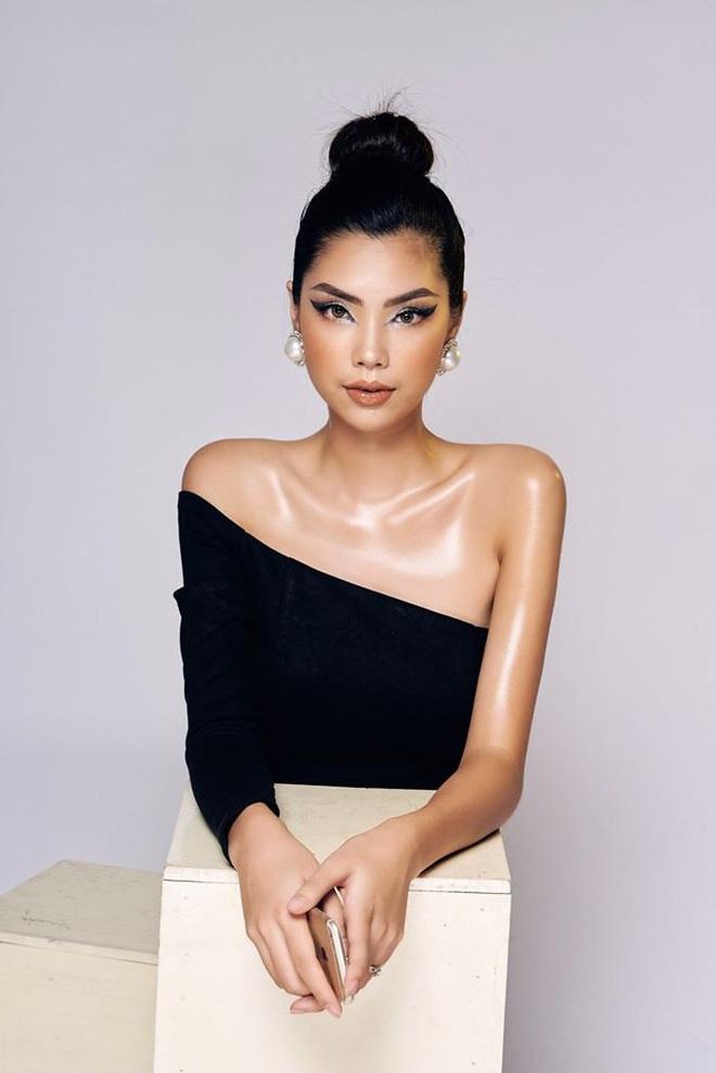 """Dàn """"ngựa chiến"""" 2k gây bão Hoa hậu Việt Nam 2020: Già nửa là gương mặt kỳ cựu, visual và body khiến hội 9x phải e dè - Ảnh 14."""