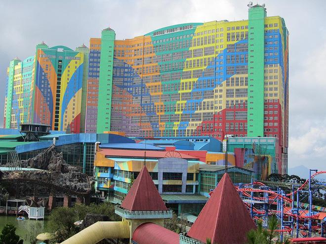 4 khách sạn đạt kỷ lục thế giới du khách nào cũng mơ ước đặt chân tới, nhiều nơi có tiền cũng chưa chắc ở được - Ảnh 1.
