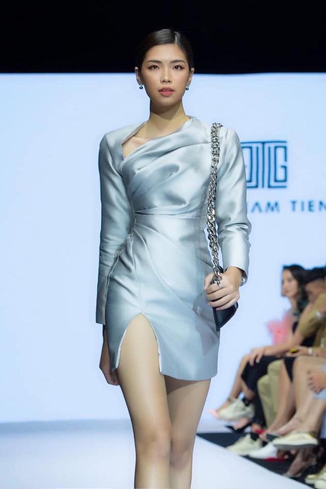 """Dàn """"ngựa chiến"""" 2k gây bão Hoa hậu Việt Nam 2020: Già nửa là gương mặt kỳ cựu, visual và body khiến hội 9x phải e dè - Ảnh 13."""
