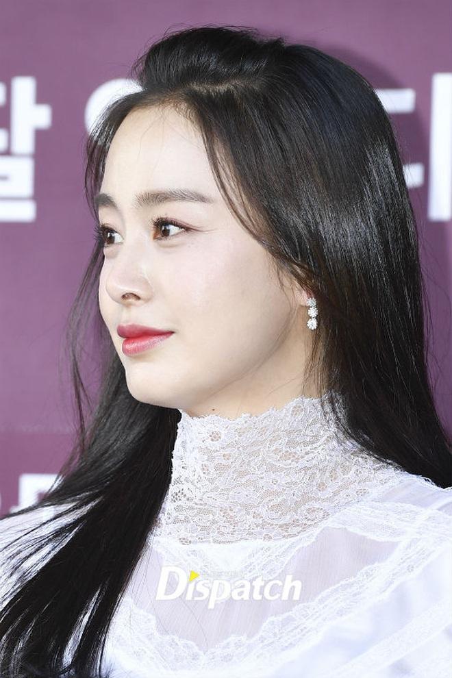 Kim Tae Hee xinh đẹp trẻ trung như gái đôi mươi, nhưng ốp điện thoại lại bất ngờ tố cáo tuổi thật của nữ minh tinh - ảnh 6