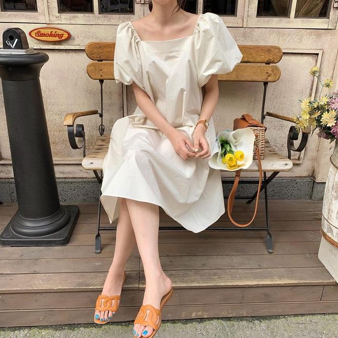 Để ăn mặc sành điệu nguyên hè, bạn nhất định nên sắm đủ 6 kiểu váy dễ mặc mà tôn dáng sau đây - Ảnh 13.