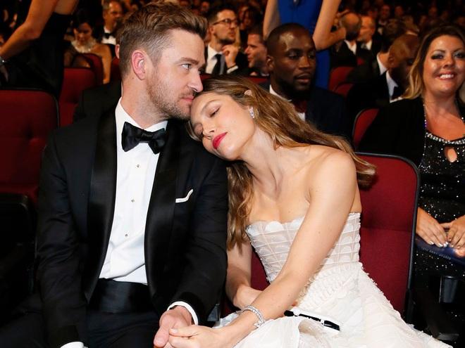 Thì thầm Hollywood: Kendall từ mặt nhà Kardashian, Katy Perry toang với chồng vì cái chết bí ẩn của chó, Angelina - Brad Pitt đều có biến? - ảnh 10