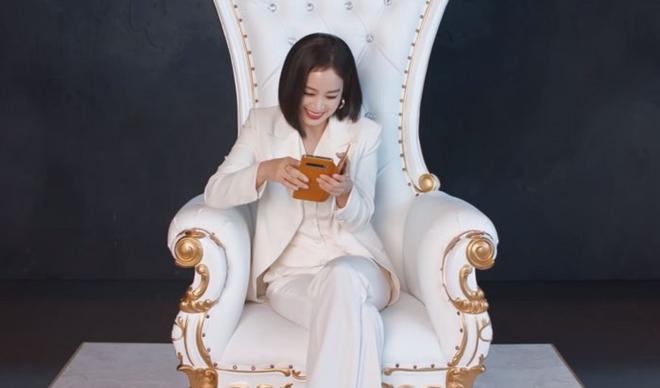Kim Tae Hee xinh đẹp trẻ trung như gái đôi mươi, nhưng ốp điện thoại lại bất ngờ tố cáo tuổi thật của nữ minh tinh - ảnh 5