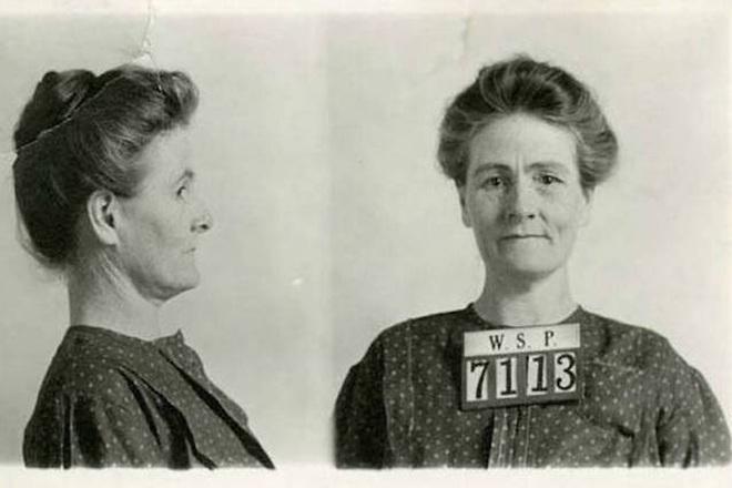 Chuyện về nữ lang băm chữa bệnh siêu tàn nhẫn: Ít nhất 15 nạn nhân bị bỏ đói tới chết, vào tù ra tội mà nhiều người vẫn cả tin tới cậy nhờ - ảnh 2
