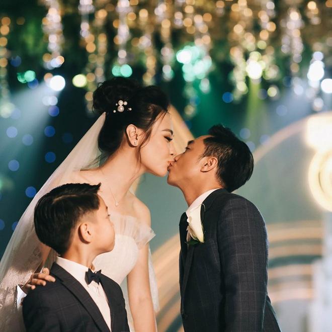 Đàm Thu Trang chính thức lộ diện sau khi hạ sinh ái nữ, Cường Đô La liền nhắn nhủ vợ đầy xúc động! - ảnh 5